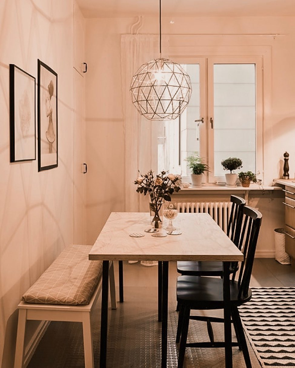 mesa de jantar pequena retangular com banco