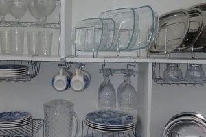 aramados para organizar armario de louças