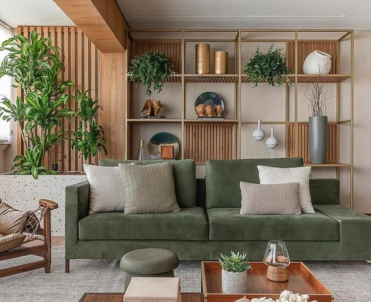 sofa verde com marcenaria em madeira