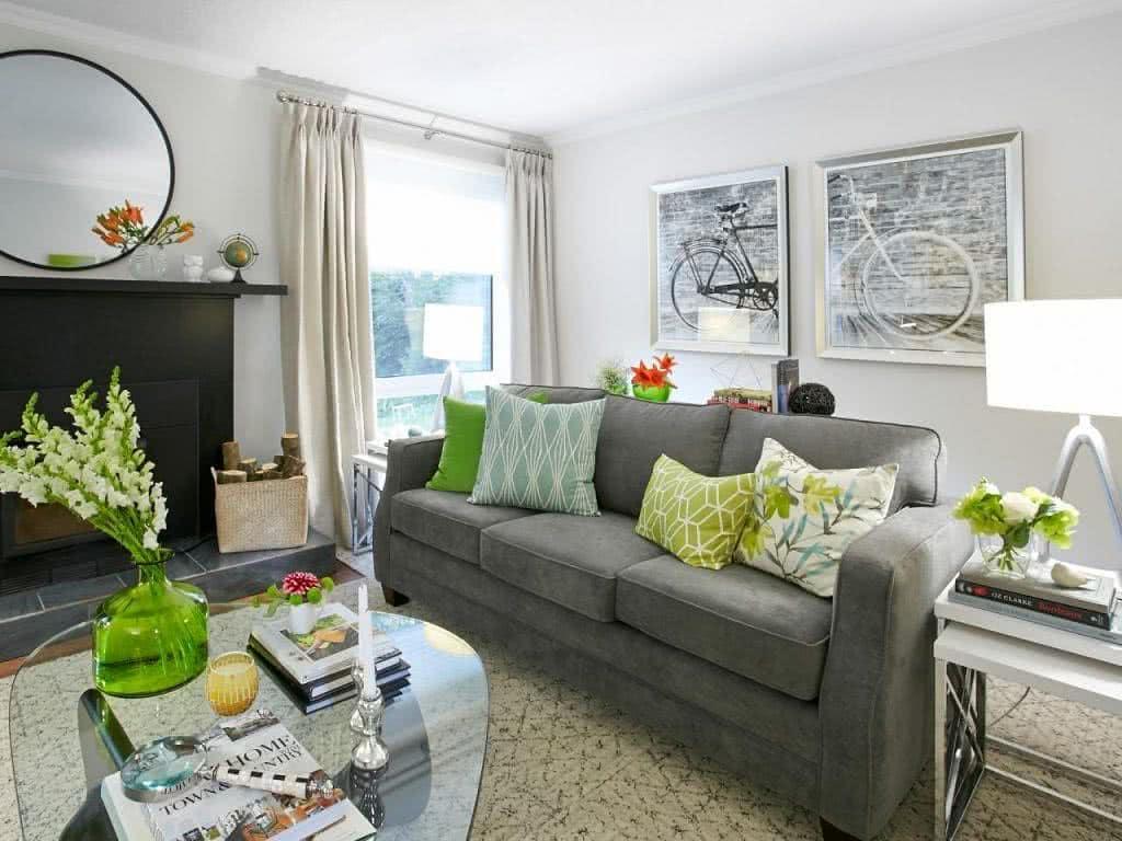 objetos decorativos em verde na sala