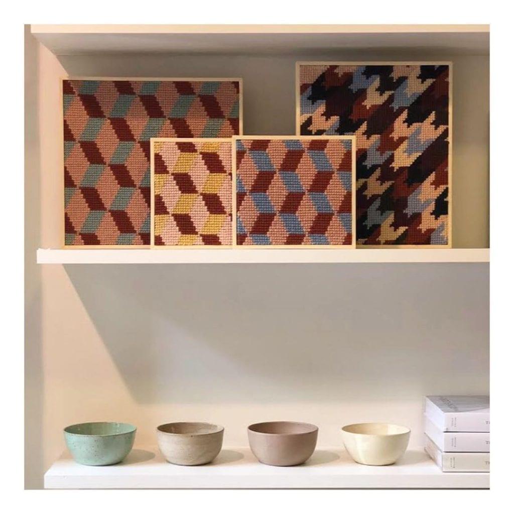 conjunto de quadros em tapeçaria moderna
