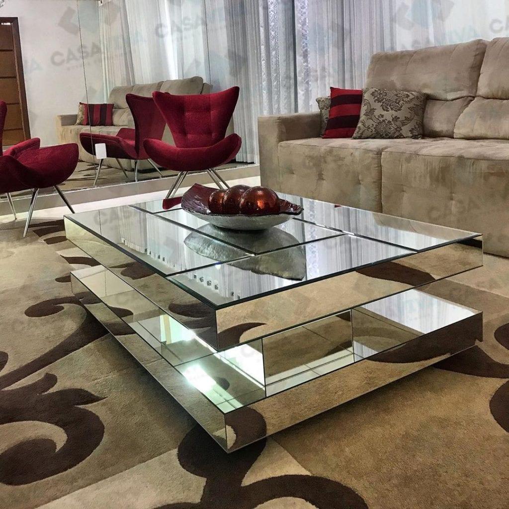 mesa de centro espelhada com formato diferente