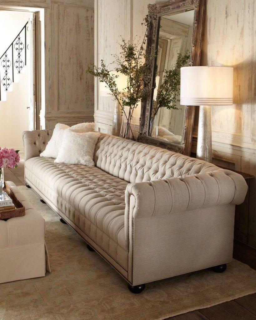 sofa chesterfiel em linho natural claro