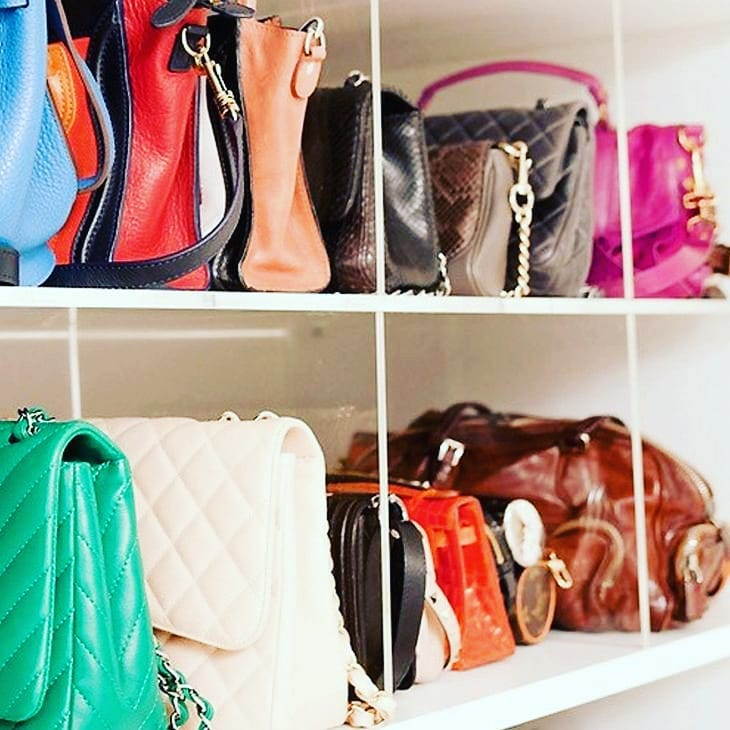 como organizar bolsas com divisorias