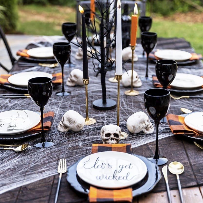 mesa de halloween decorada