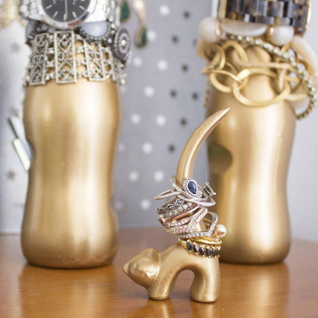item decorativo para organizar aneis