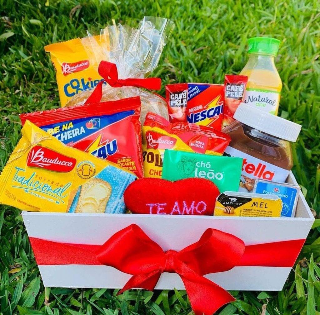 cesta de dia dos namorados café da manhã