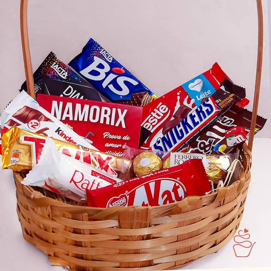 cesta de dia dos namorados chocolate