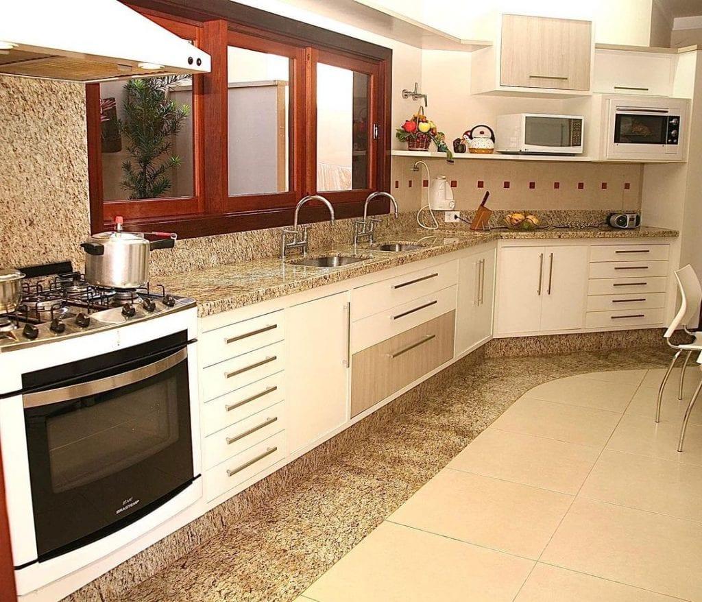 cozinha em granito amarelo